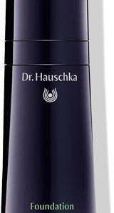 Dr. Hauschka Meikkivoide Hazelnut 04